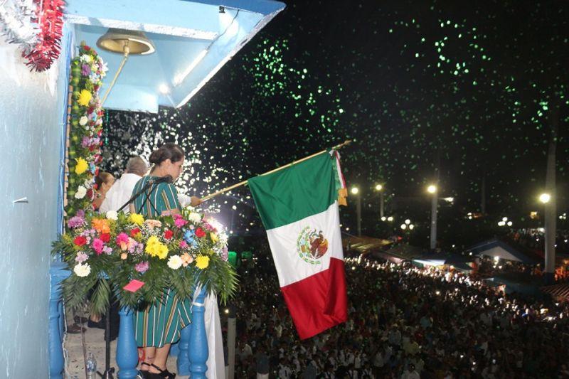 Al grito de ¡Viva México! Celebra san Felipe